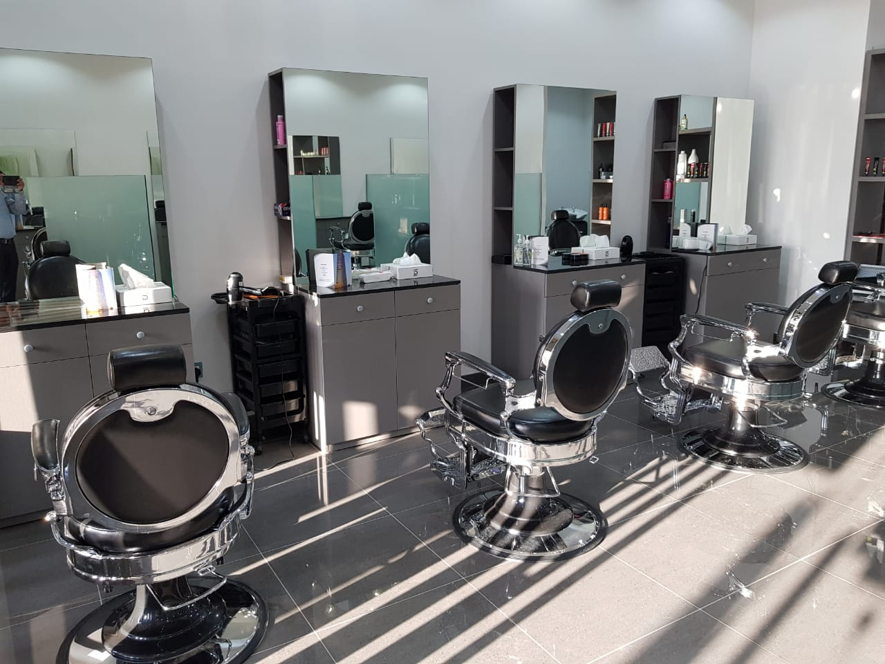Dimensions Gents Salon For An Awesome Look Everyday